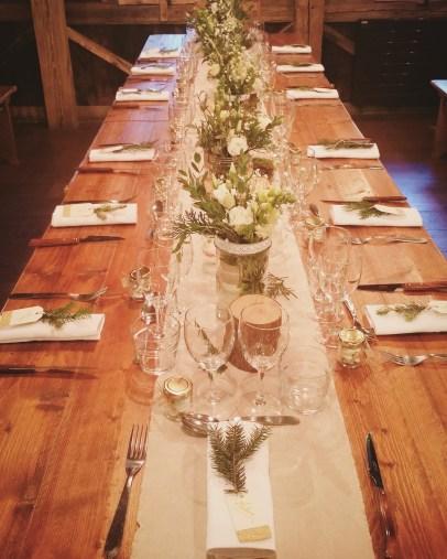 """Décoration des tables, petite ambiance """"forêt""""..."""