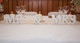 Décoration de la table des mariés