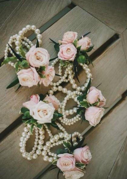 Bracelet fleuri pour la mariée ou ses témoins