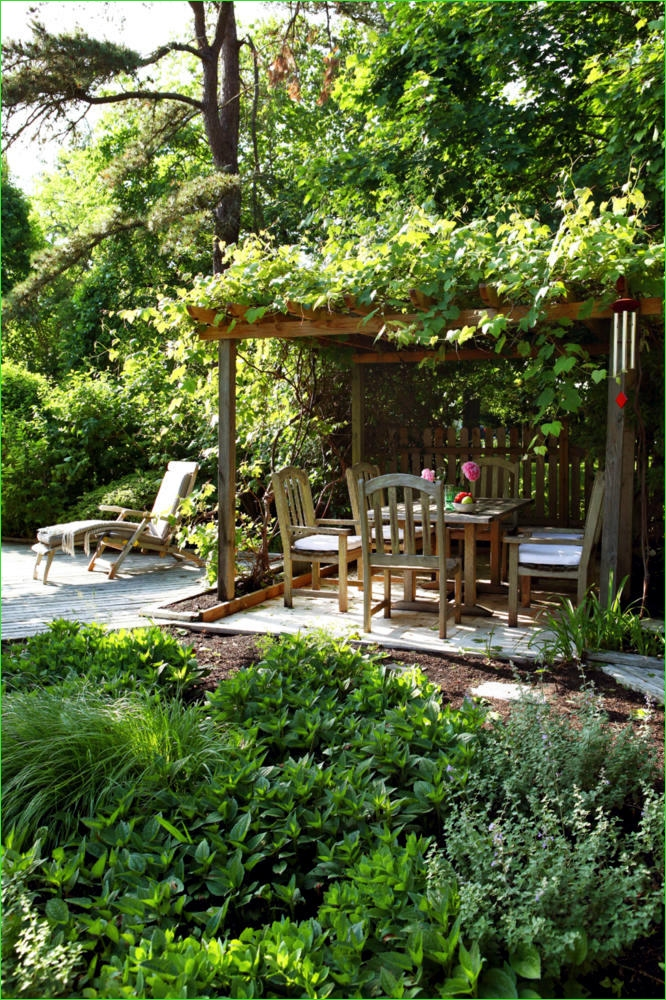 Creative Tiny Backyard Sitting areas 82 Natural Garden with A Covered Sitting area 6