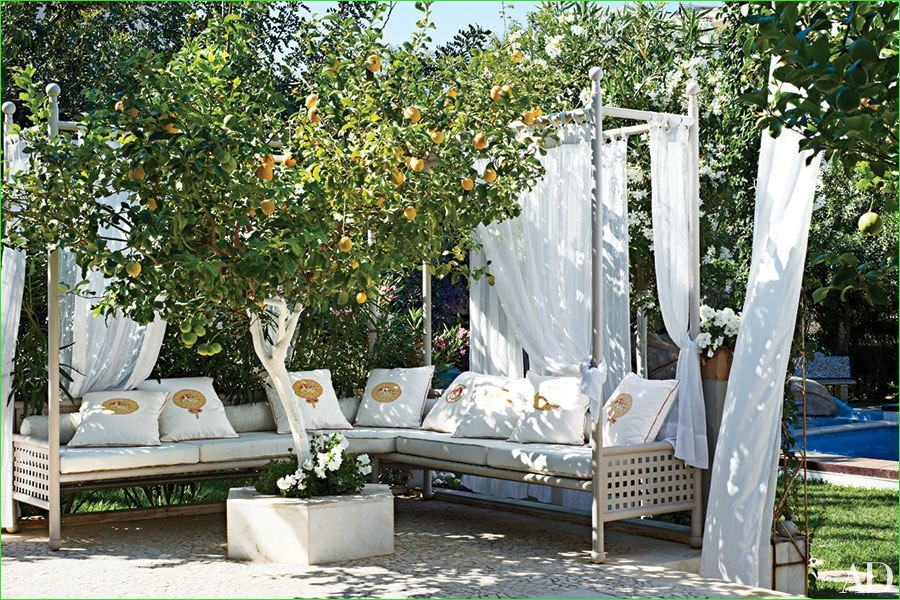 Creative Tiny Backyard Sitting areas 92 the Most Creative Ways to Set Up Outdoor Seating This Summer 8