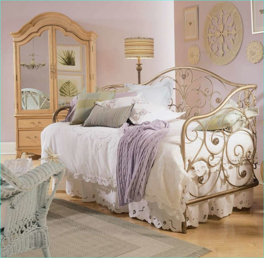 Whimsy Home Decor and Unique Furnishings 28 Bedroom Whimsical Vintage Bedroom Décor that You Can Diy Luxury Busla Home Decorating Ideas 1