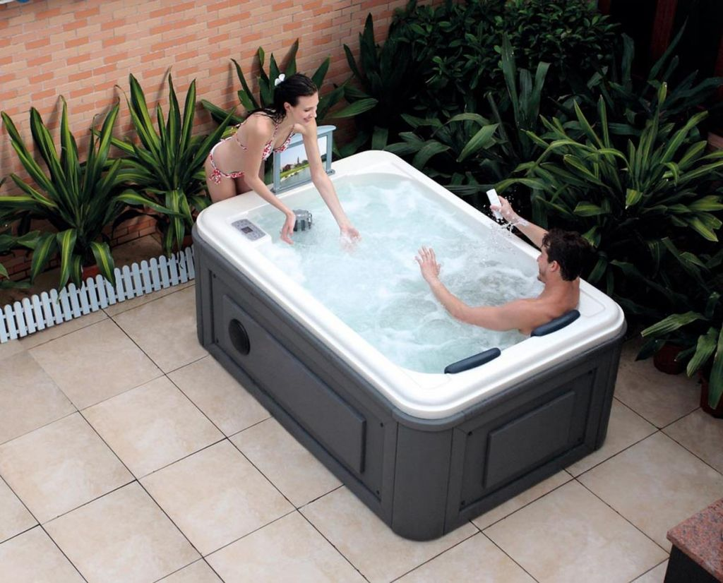Small Backyard Ideas with Hot Tub 27