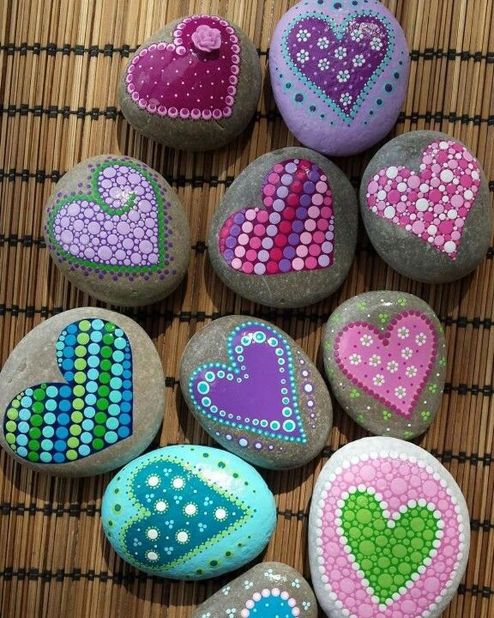 Simple Painted Rock Ideas For Garden 1
