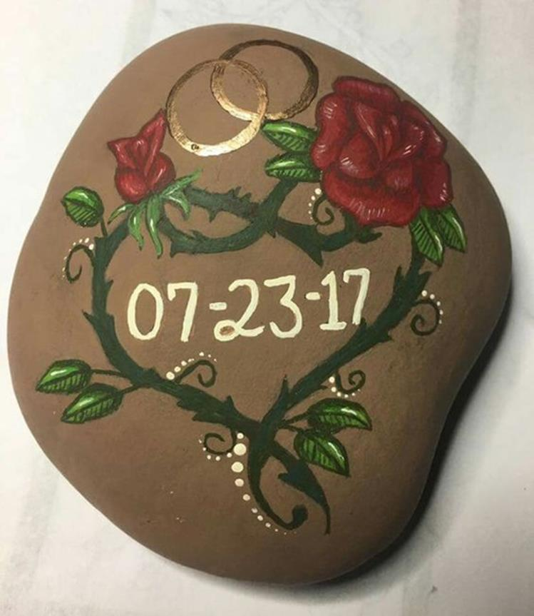 Simple Painted Rock Ideas For Garden 12