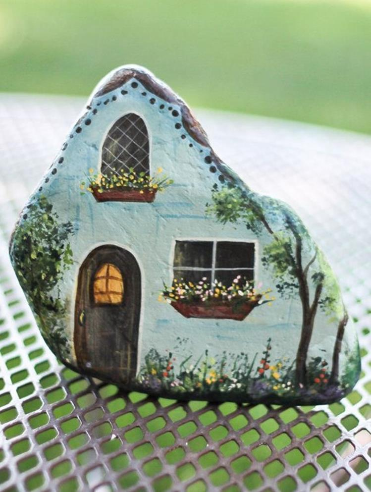 Simple Painted Rock Ideas For Garden 16