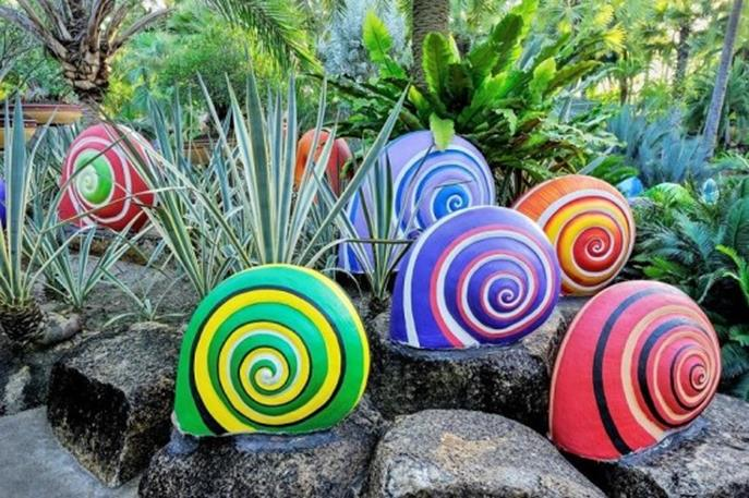 Simple Painted Rock Ideas For Garden 26