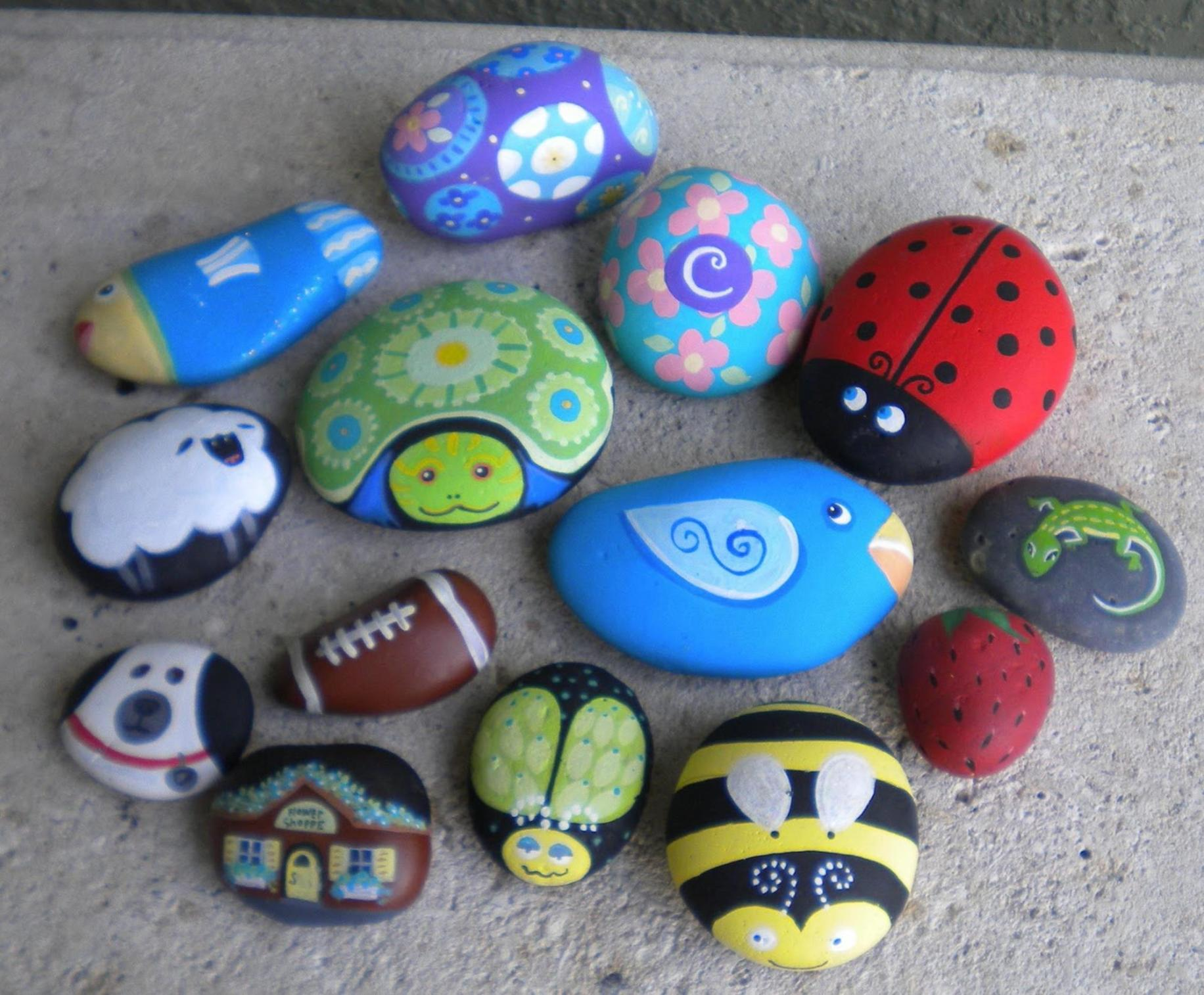 Simple Painted Rock Ideas For Garden 30