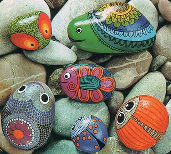 Simple Painted Rock Ideas For Garden 34