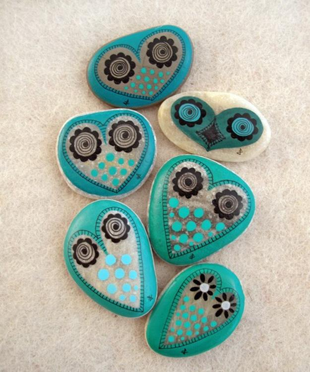 Simple Painted Rock Ideas For Garden 35