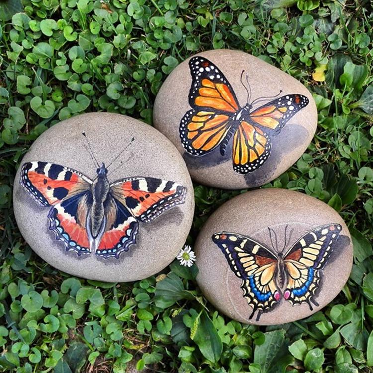 Simple Painted Rock Ideas For Garden 8