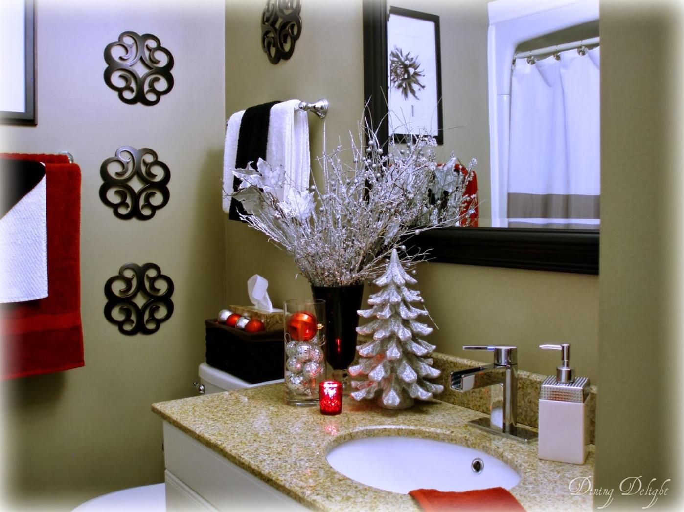 Bathroom with Holiday Wall Decor 16