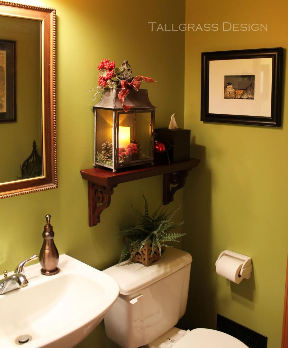 Bathroom with Holiday Wall Decor 24