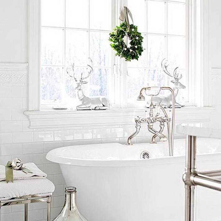 Bathroom with Holiday Wall Decor 7