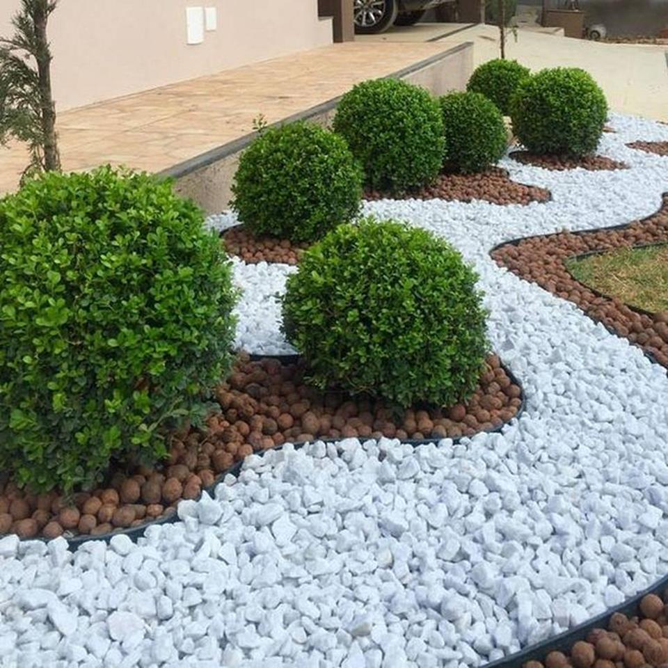 Front Yard Landscaping Ideas with White Rocks 14