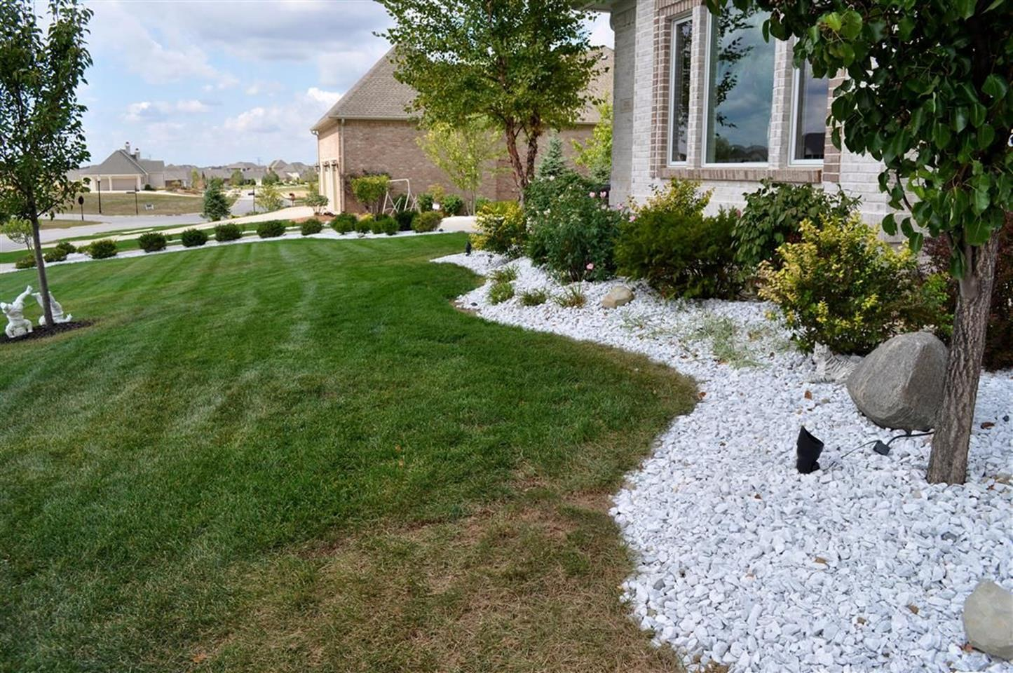 Front Yard Landscaping Ideas with White Rocks 21