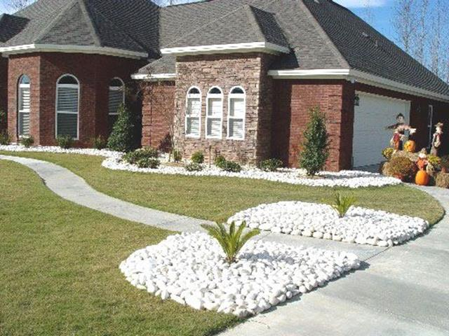 Front Yard Landscaping Ideas with White Rocks 4