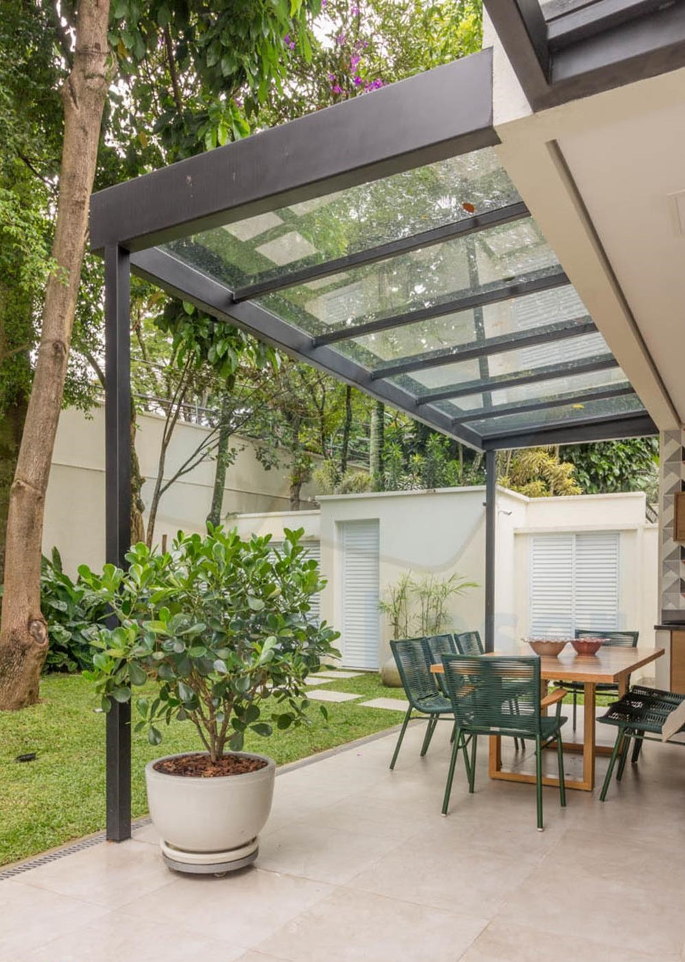 Cozy and Gorgeous Patio Roof with Pergola Glass 41