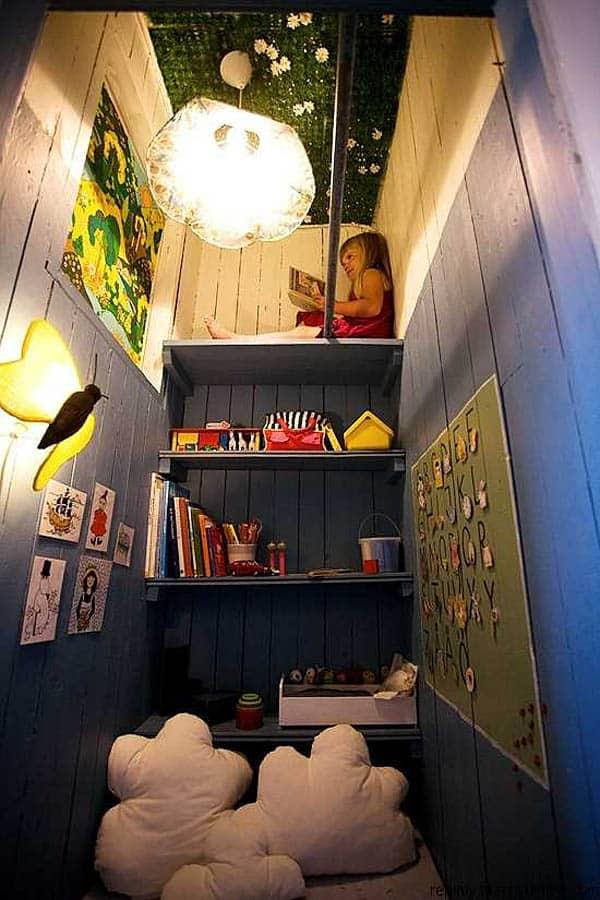 Cozy And Decorated Reading Nooks That Will Inspire You To Design Your Own Little Corner 27