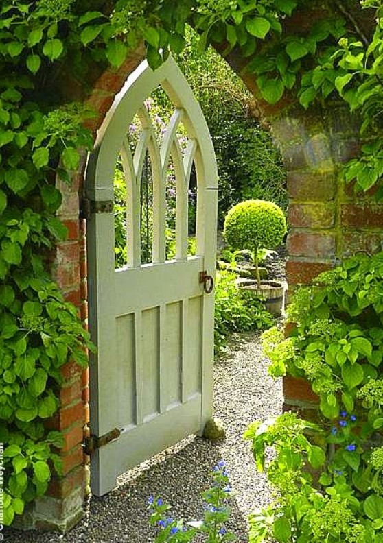 Inexpensive Secret Wood Garden Gates 11
