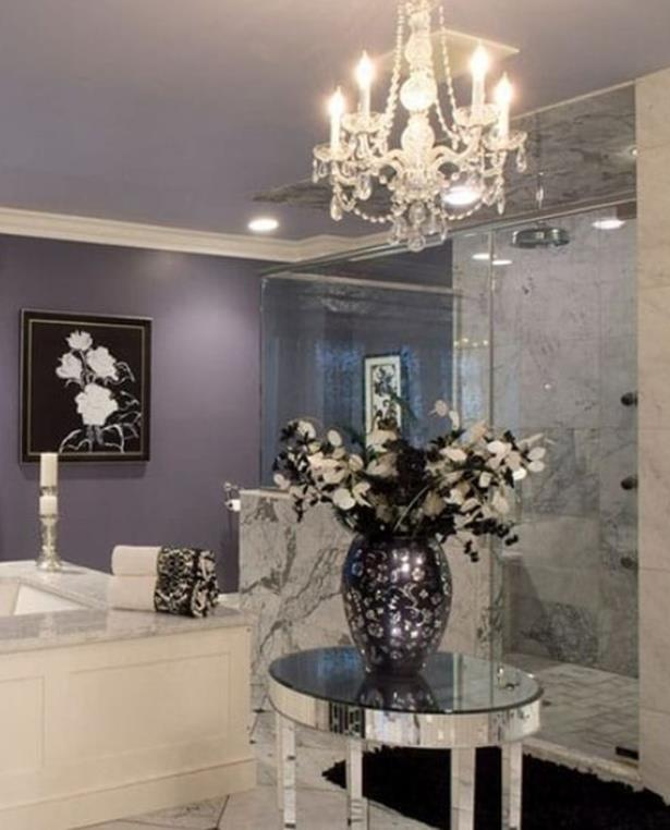 Beautiful Bathroom with Crystal Chandelier 4