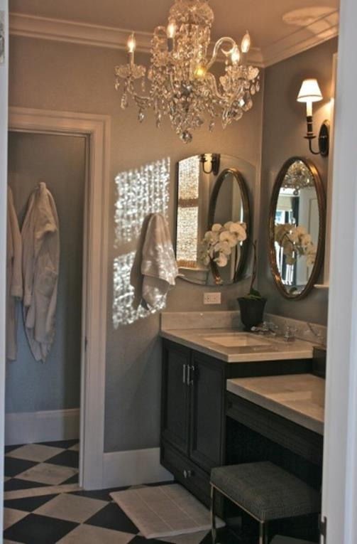 Beautiful Bathroom with Crystal Chandelier 7 1