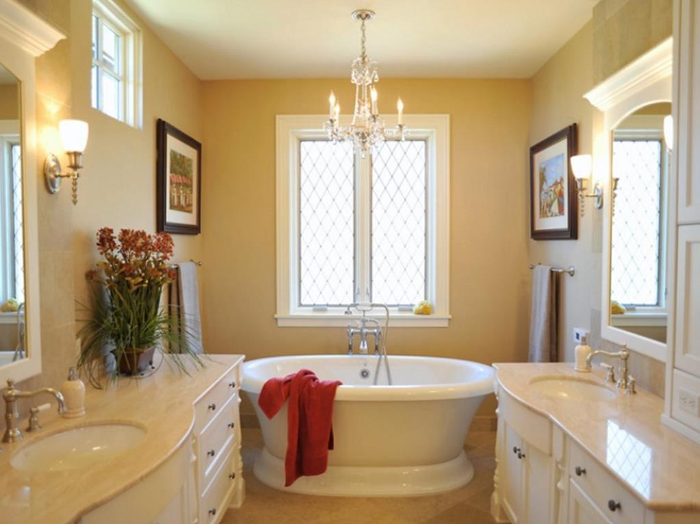 Beautiful Bathroom with Crystal Chandelier 9