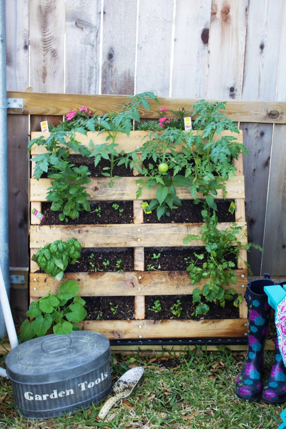 Upcycled Wood Pallet Gardens 25 1