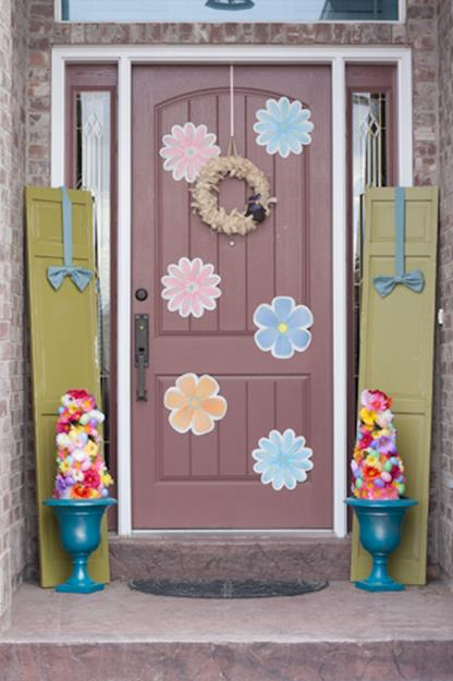 DIY Front Door Easter Decorating Ideas 4