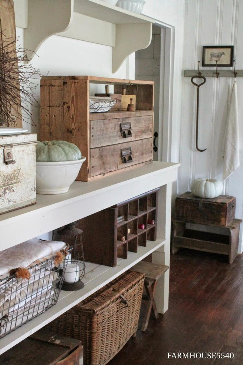 Farmhouse Craft Room Decorating Ideas 34