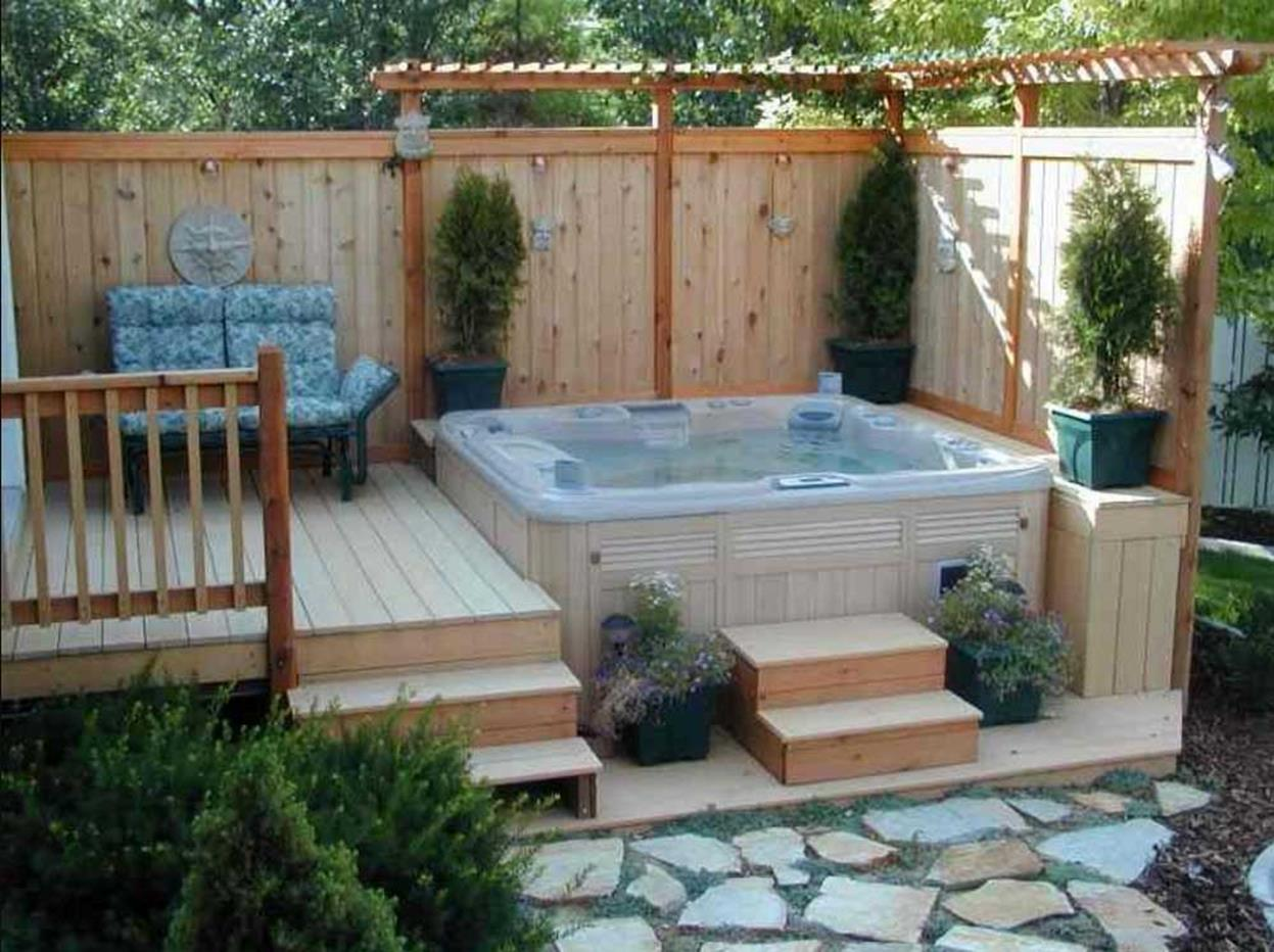 34 Perfect Outdoor Hot Tub Privacy Ideas Decorewarding