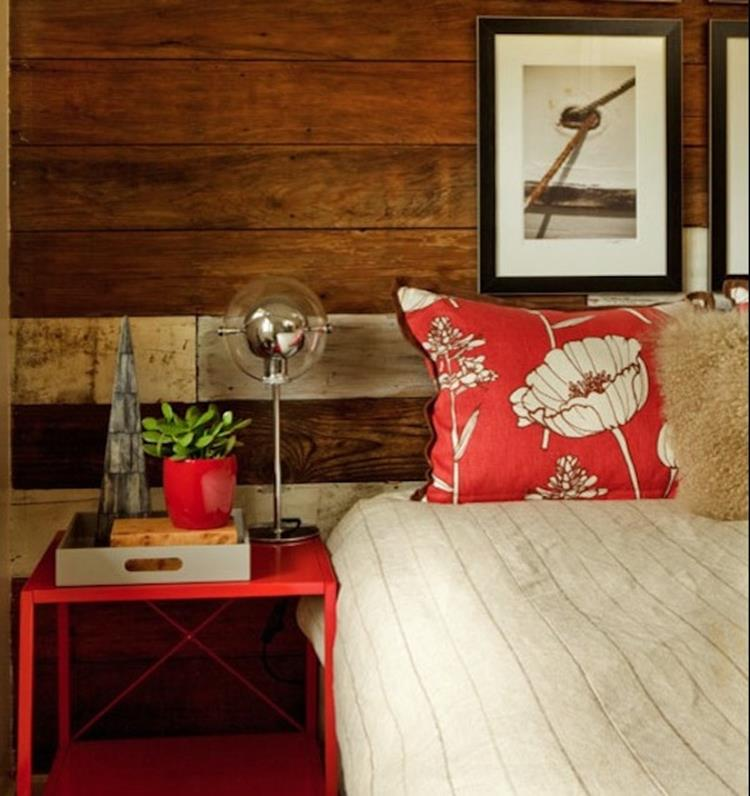 Rustic Bedroom Wall Decorating Ideas 36