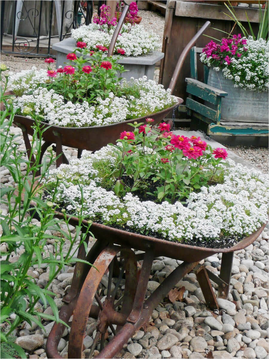 42 Beautiful Vintage Yard Decorating Ideas 36 34 Best Vintage Garden Decor Ideas and Designs for 2017 9