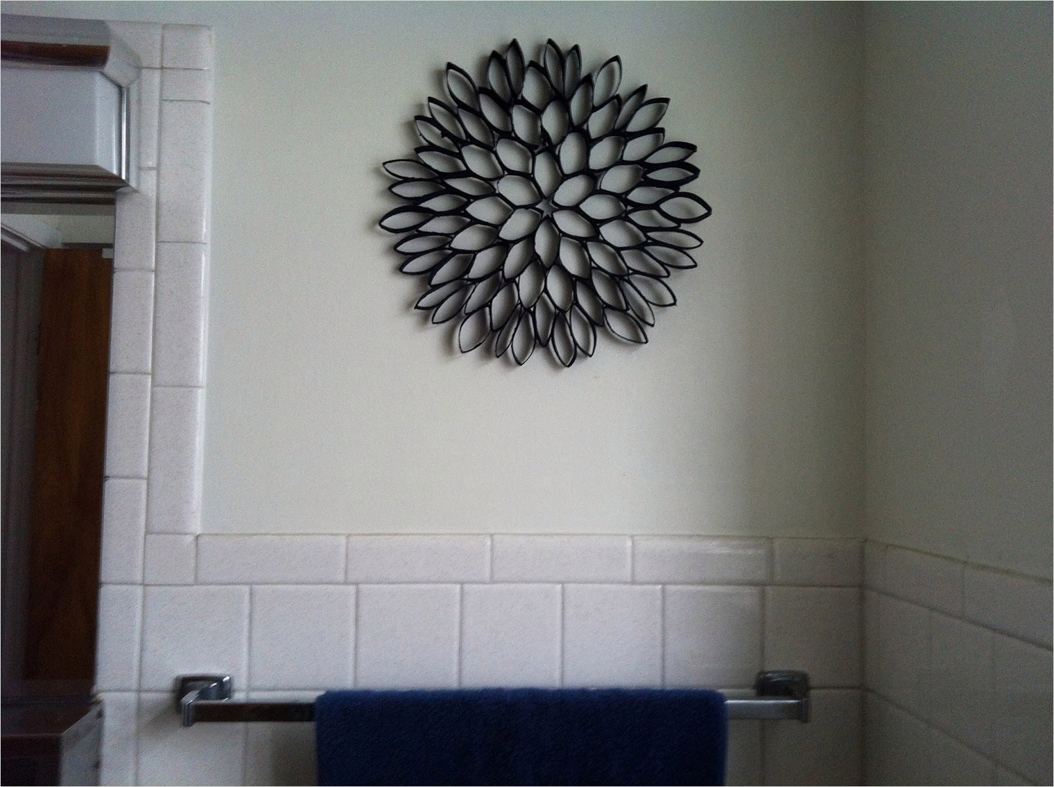 44 Creative Craft Wall Decoration Ideas 49 toilet Paper Roll Art for Wall Decor 7