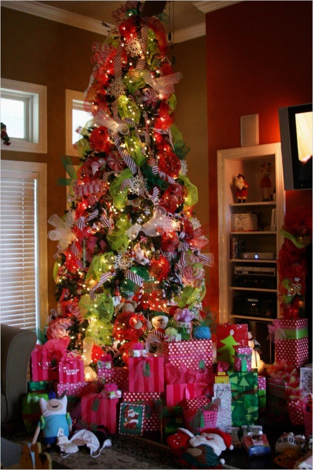 41 Awesome Whimsical Christmas Tree Decorating Ideas 81 25 Best Ideas About Whimsical Christmas Trees On Pinterest 6