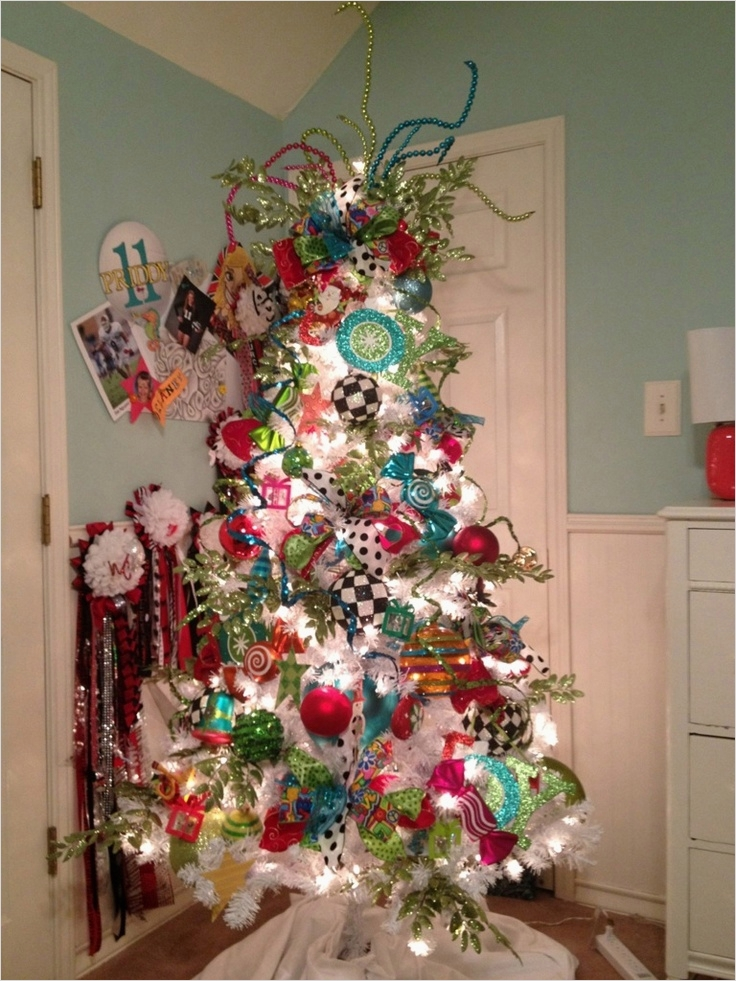 41 Awesome Whimsical Christmas Tree Decorating Ideas 32 183 Best Christmas Trees by Show Me Decorating Images On Pinterest 8