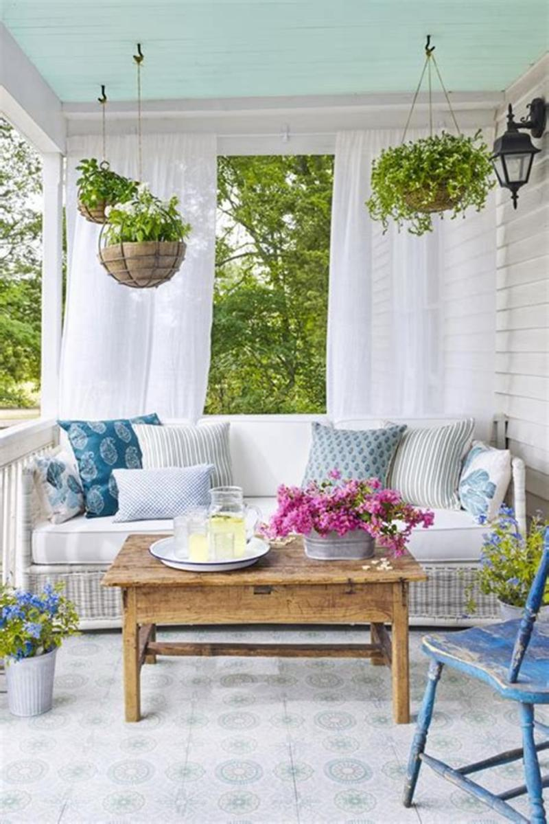 40 Beautiful Spring Front Porch Decorating Ideas You Will Love 25