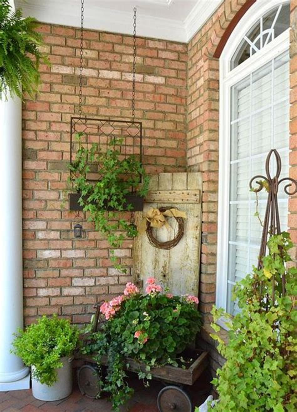 40 Beautiful Spring Front Porch Decorating Ideas You Will Love 41