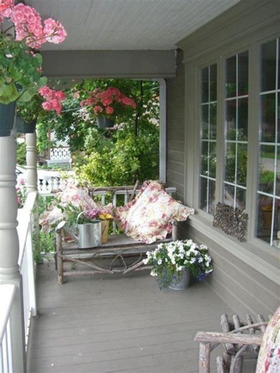 40 Beautiful Spring Front Porch Decorating Ideas You Will Love 44