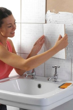 how to glue the tile in the bathroom