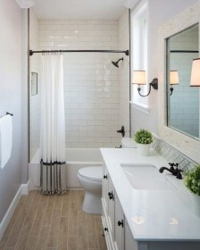 Small Bathroom Makeover (source - Pinterest.ch)