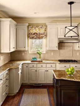 Backsplash Ideas For Cream Kitchen Cabinets (3)