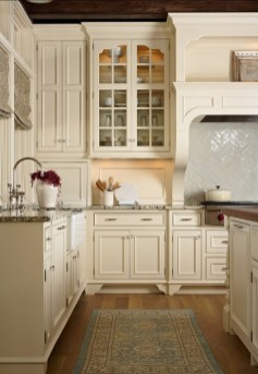 Cream Colored Kitchen Cabinet Designs