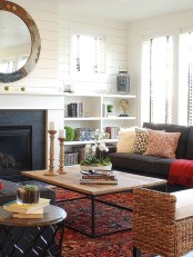 Gorgeous Farmhouse Living Room Decor Ideas And Designs (13)