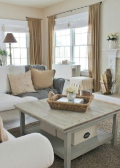 Gorgeous Farmhouse Living Room Decor Ideas And Designs (20)