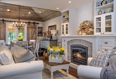 Gorgeous Farmhouse Living Room Decor Ideas And Designs (33)