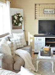 Gorgeous Farmhouse Living Room Decor Ideas And Designs (46)