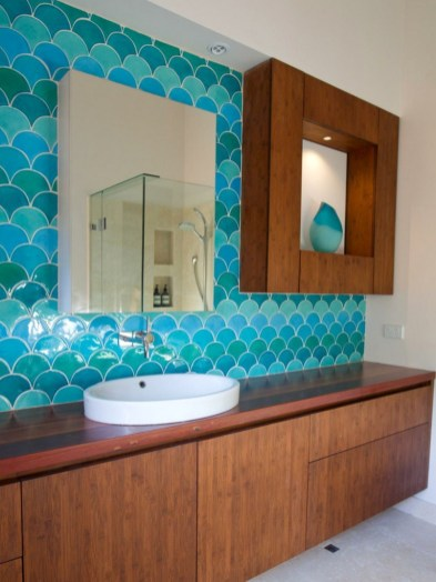Stunning Bathroom Tiles Ideas for Small Bathrooms (35)