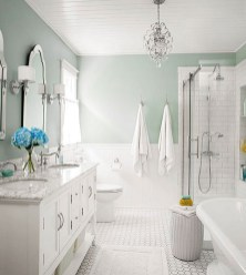 Stunning Bathroom Tiles Ideas for Small Bathrooms (4)