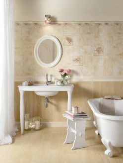 Stunning Bathroom Tiles Ideas for Small Bathrooms (41)